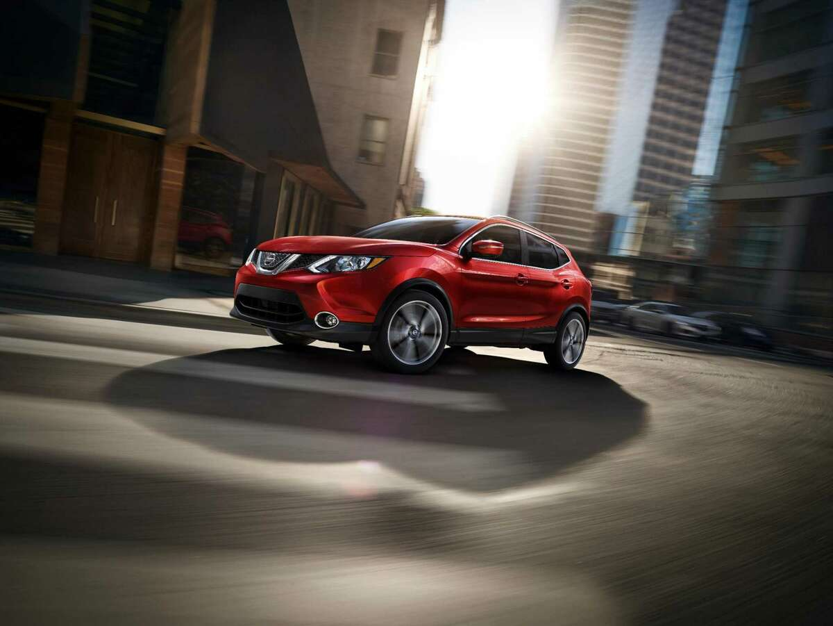 The 2019 Nissan Rogue offers a24 mpg city, 30 mpg highway fuel economy.