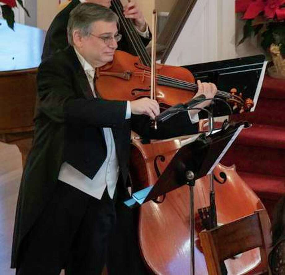 The Washington Friends of Music has announced the death of viola player Vincent Lionti, who died of COVID-19 April 4. Photo: Courtesy Of The Washington Friends Of Music