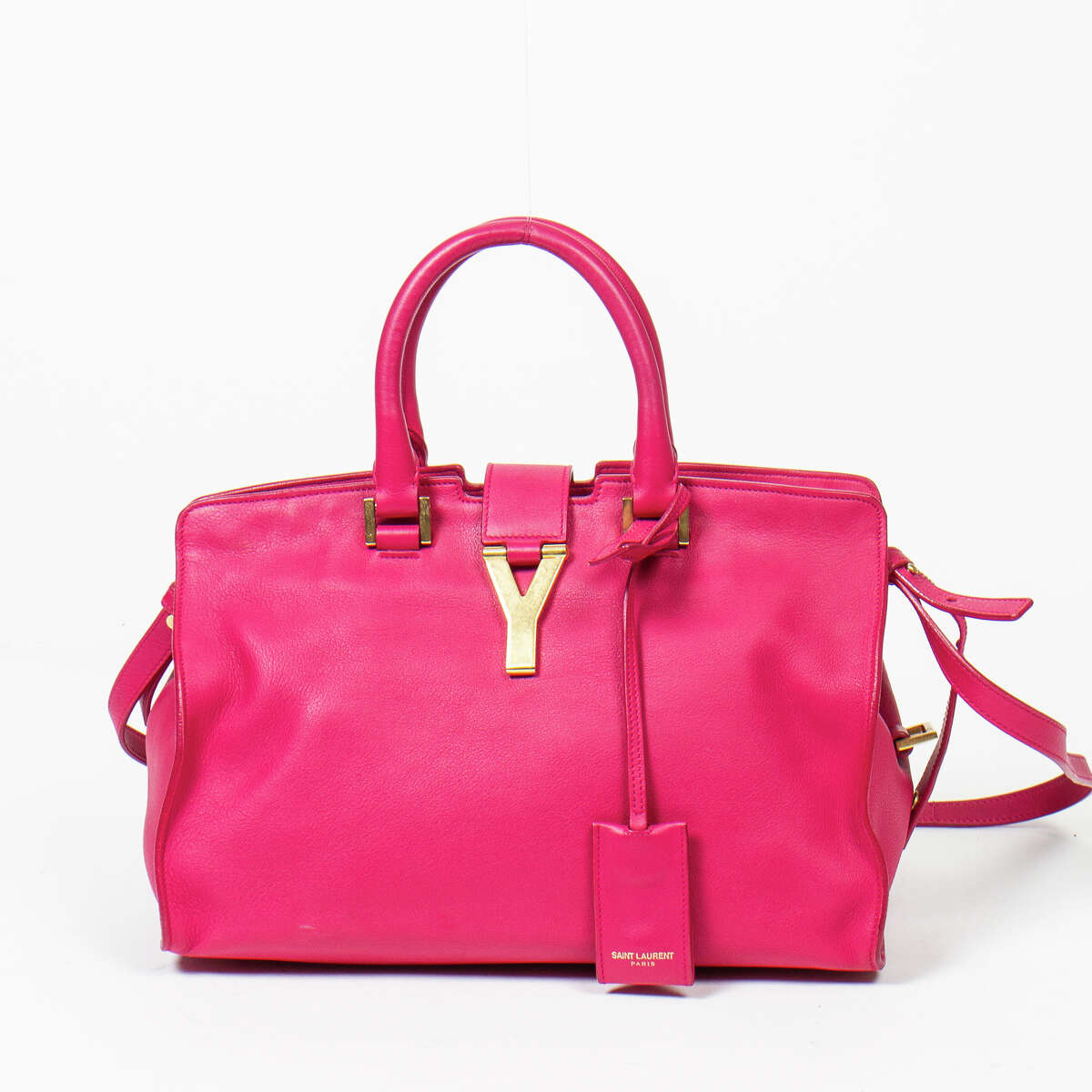Gallery Auctions will auction 350 luxury handbags and accessories, including this Yves St-Laurent Cabas chyc bag.