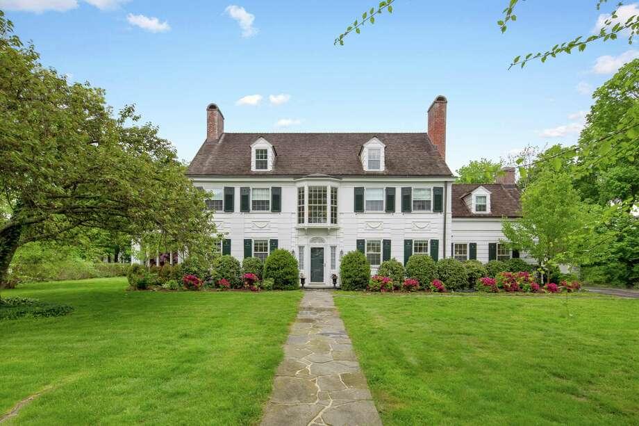 55 Verplank Avenue, Stamford, Conn. $1,395,000 Debbie Brennan, Berkshire Hathaway HomeServices 203-570-2342 Photo: Contributed / / danipiovezahn.com 6468206369