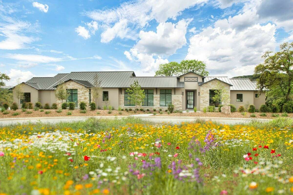 2020 Spring Tour of Homes Burdick Custom Homes at Smithson Ridge3822 Smithson Ridge, SA 78261