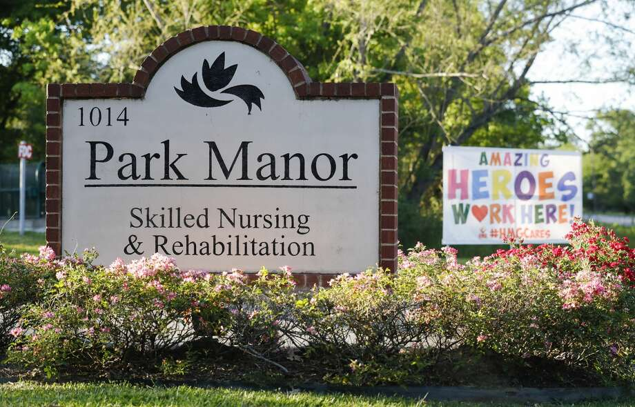 The Park Manor of The Woodlands nursing home is seen, Thursday, April 23, 2020, in Conroe. The Montgomery County Office of Homeland Security and Emergency Management confirmed multiple cases of COVID-19 in Park Manor of Conroe and Park Manor of The Woodlands. Both facilities are home to 21 of the 467 cases, including the man in his 80s whose death was confirmed Thursday. Photo: Jason Fochtman/Staff Photographer / 2020 ? Houston Chronicle