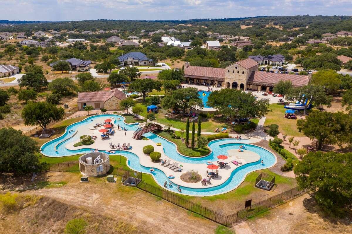 Vintage Oaks : 1110 Vintage Way, New Braunfels TX 78132