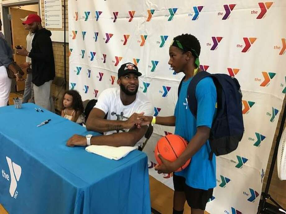 Andre Drummond at the Middletown YMCA while giving away backpacks to local youths in August, 2017. Photo: David Borges / Hearst Connecticut Media