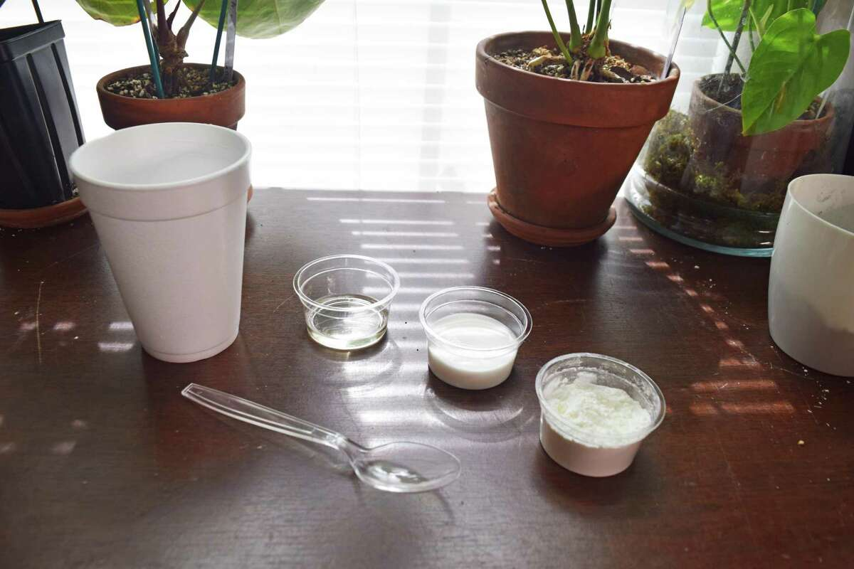 Three ingredients go into homemade cold porcelain: cornstarch, glue and oil.