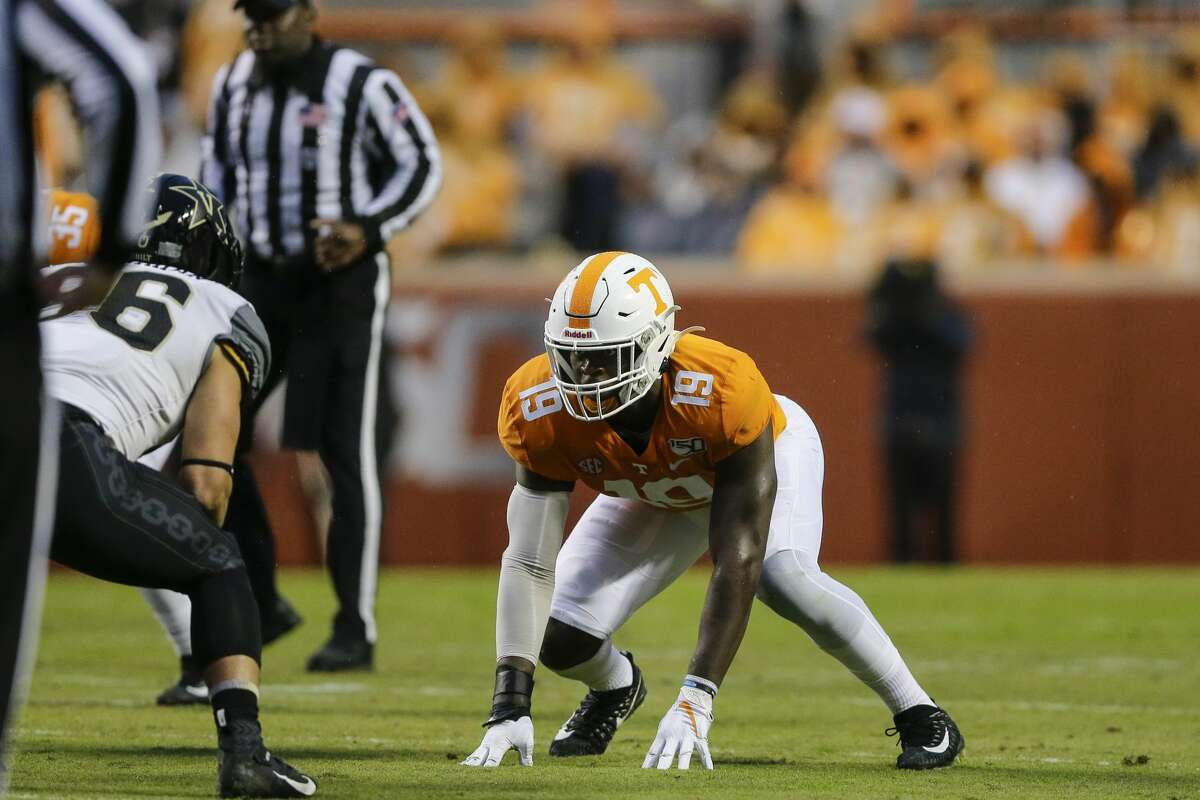 Taylor was tied for second in the SEC with 8.5 sacks in 2019. He also posted 46 tackles (including 10 for loss), four pass breakups and sx hurries as a redshirt senior for the Vols. The Hopewell, Va. native, led Tennessee with eight sacks and 11 tackles for loss in 2018.