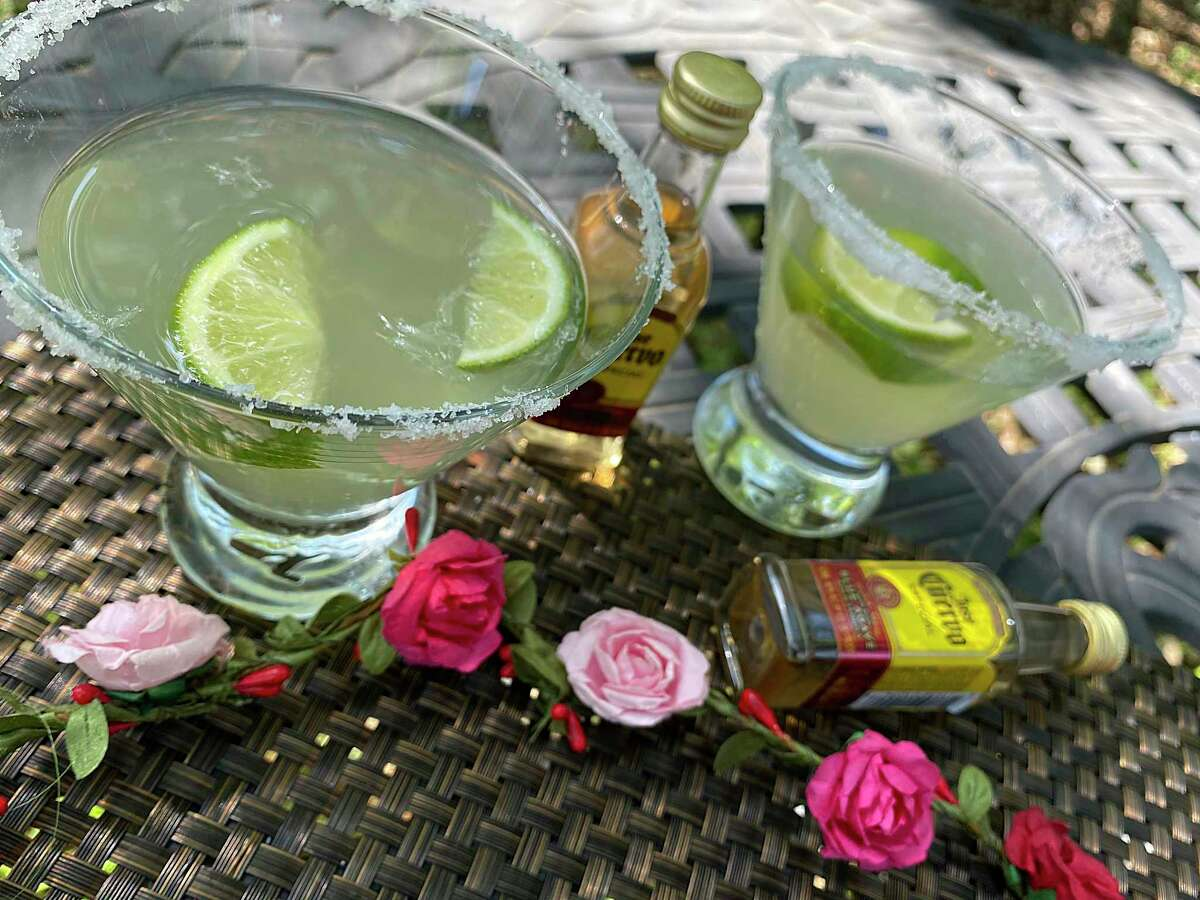 Paloma Blanca makes it easier to celebrate Cinco de Mayo at home during the coronavirus crisis with to-go margaritas and Mexican food. The house margaritas are sold with margarita mix and small bottles of Jose Cuervo tequila.