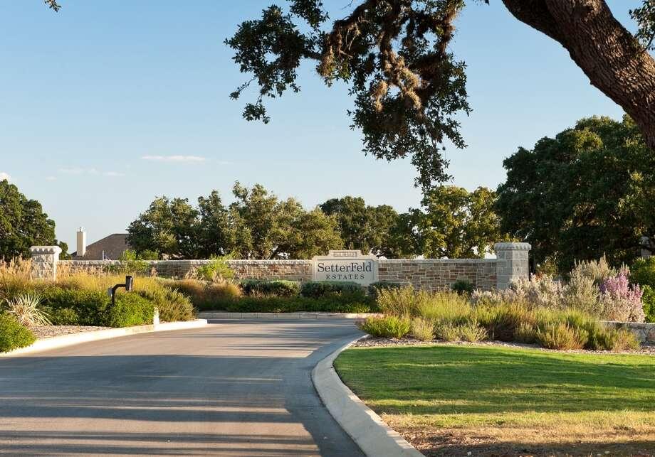 2020 Spring Tour of Homes Developer: Denton Communities Community: Setterfeld Estates Address: 31042 Ralph Fair Rd., Fair Oaks Ranch, TX 78015 Photo: Denton Communities / © Bibb T. Gault