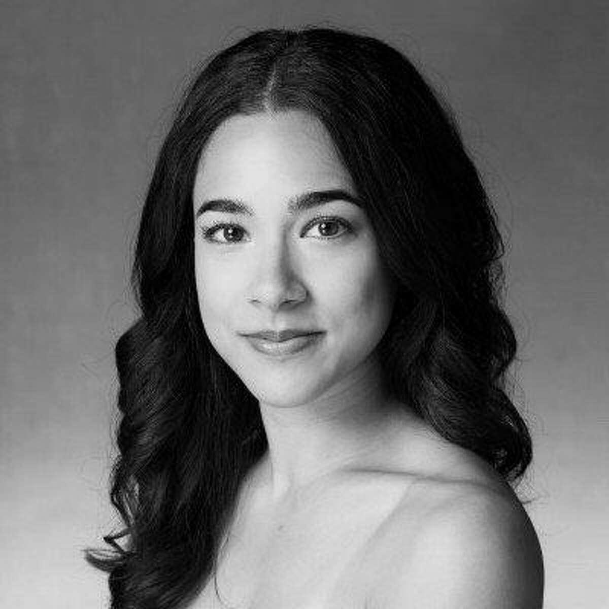 Smuin Ballet dancer Tess Lane, teacher of online beginning ballet class