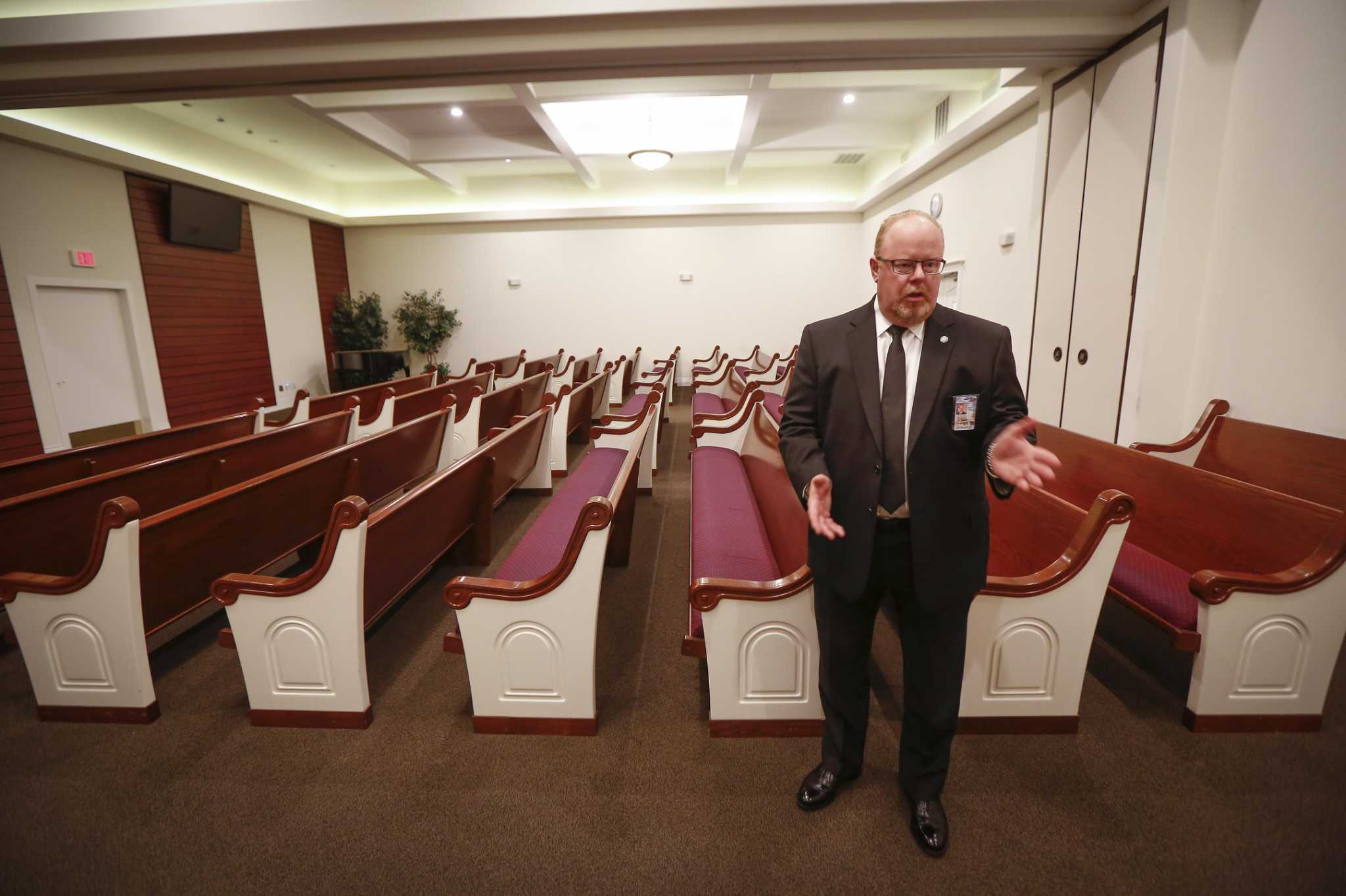 Houston funeral homes adjust business as coronavirus brings 'fear of the unknown'