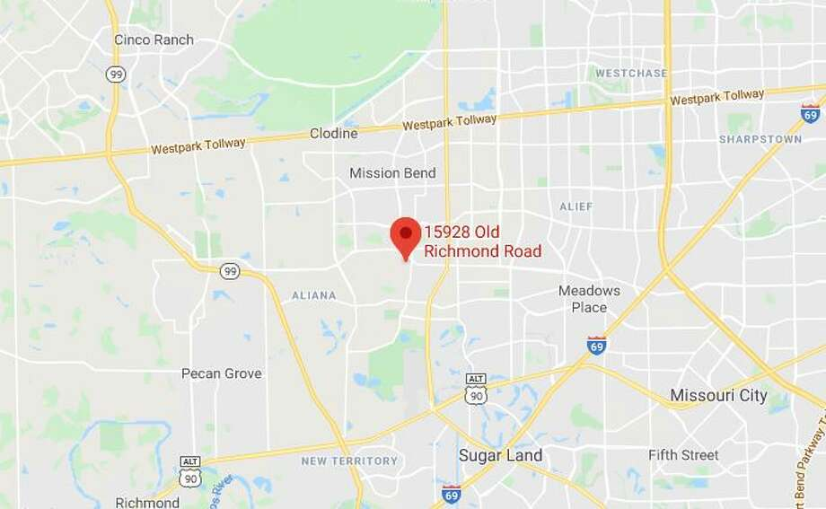 A child reportedly drowned Tuesday in an apartment complex swimming pool in Fort Bend County, authorities say. Photo: Google Maps