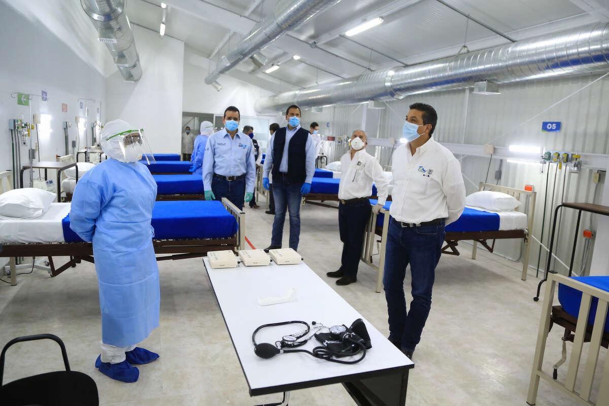 Tamaulipas Gov. Francisco Javier Garcia Cabeza de Vaca and Nuevo Laredo Mayor Enrique Rivas took a tour of a facility that will be exclusively used for COVID-19 patients in Nuevo Laredo.