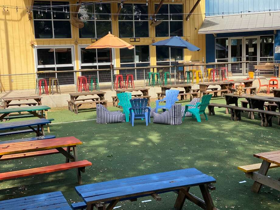 The owners of Taco Garage and Burleson Yard Beer Garden have taken over a massive restaurant, which was formerly known as Ruben's Backyard, to open a new dog-friendly bar Hops & Hounds. The bar is on the city's Northeast Side near McAllister Park at 13838 Jones Maltsberger Rd. Photo: Joshua Giles
