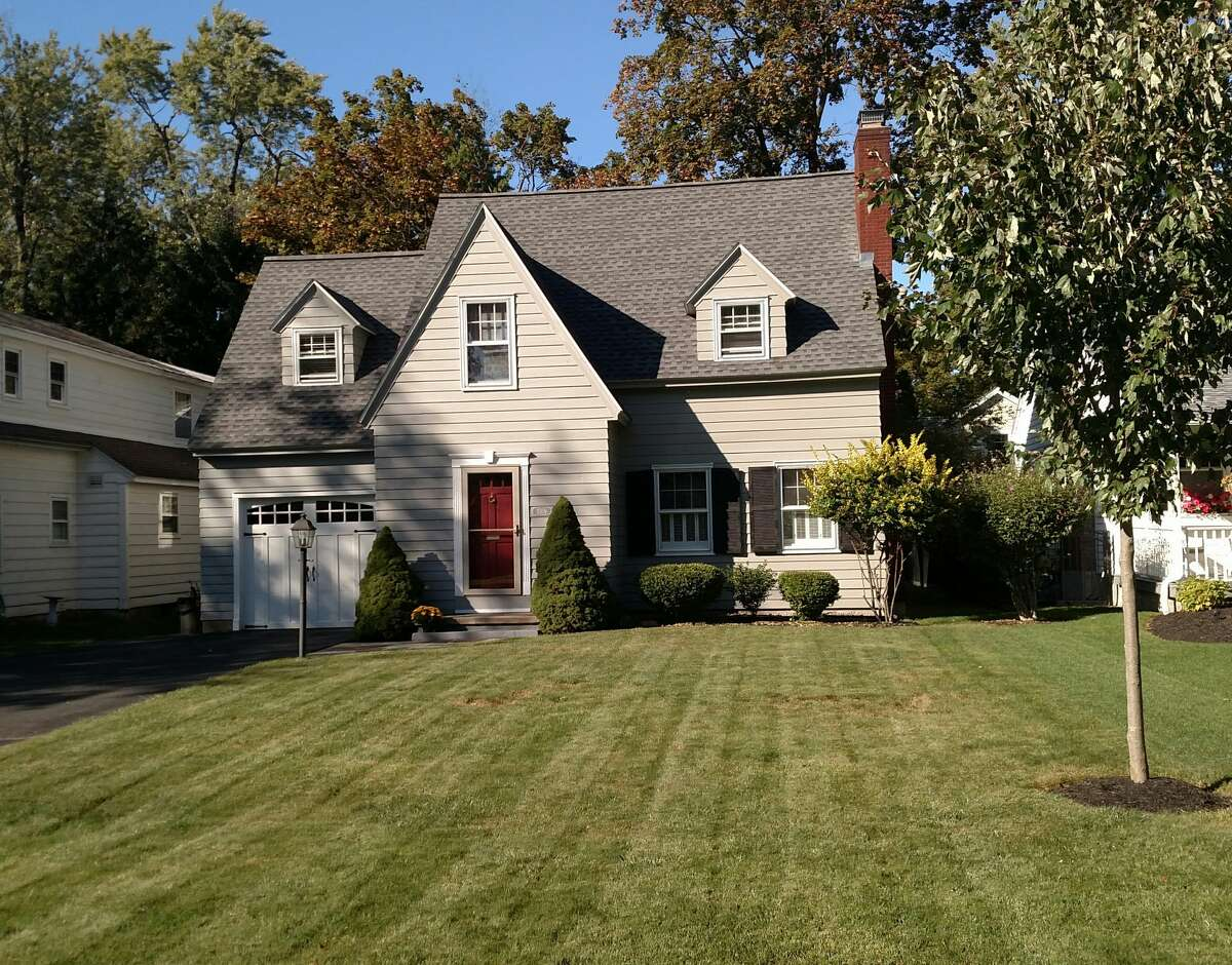 A Cape Cod style home in Old Niskayuna at 2309 Barcelona Road. For sale by owner. Call Tom at 518-253-1949 for a private showing.https://www.zillow.com/myzillow/SavedHomes#32490788
