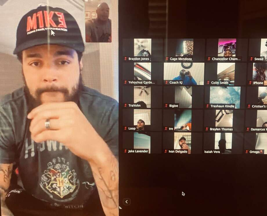 Tampa Bay Buccaneers wide receiver Mike Evans joined the Conroe football team in a video conference. Photo: Submitted