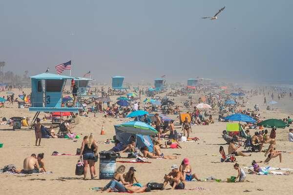 No California Wide Beach Shutdown Gavin Newsom Went For Narrow Closure Sfchronicle Com