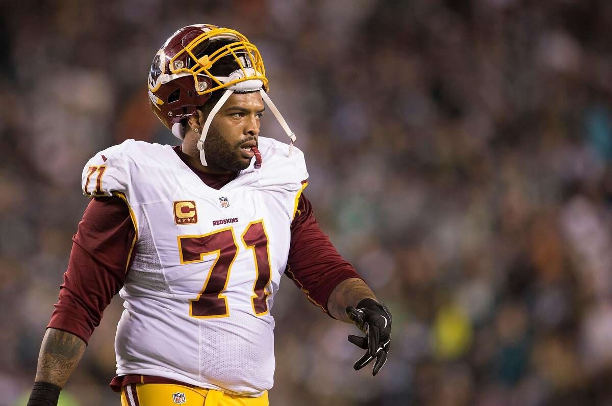 PHILADELPHIA, PA - DECEMBER 26: Trent Williams #71 of the Washington Redskins walks off the field at the end of the first half against the Philadelphia Eagles on December 26, 2015 at Lincoln Financial Field in Philadelphia, Pennsylvania.