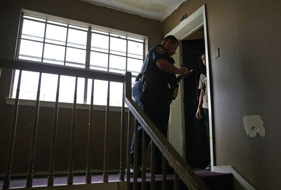 Even with the CDC's order, you still owe rent. The order doesn't forgive rent, and your landlord can still charge penalties and late fees. Photo: Bob Owen /Staff Photographer / San Antonio Express-News