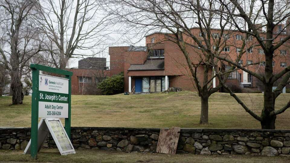 Nursing homes could begin COVID-19 vaccine clinics before holidays