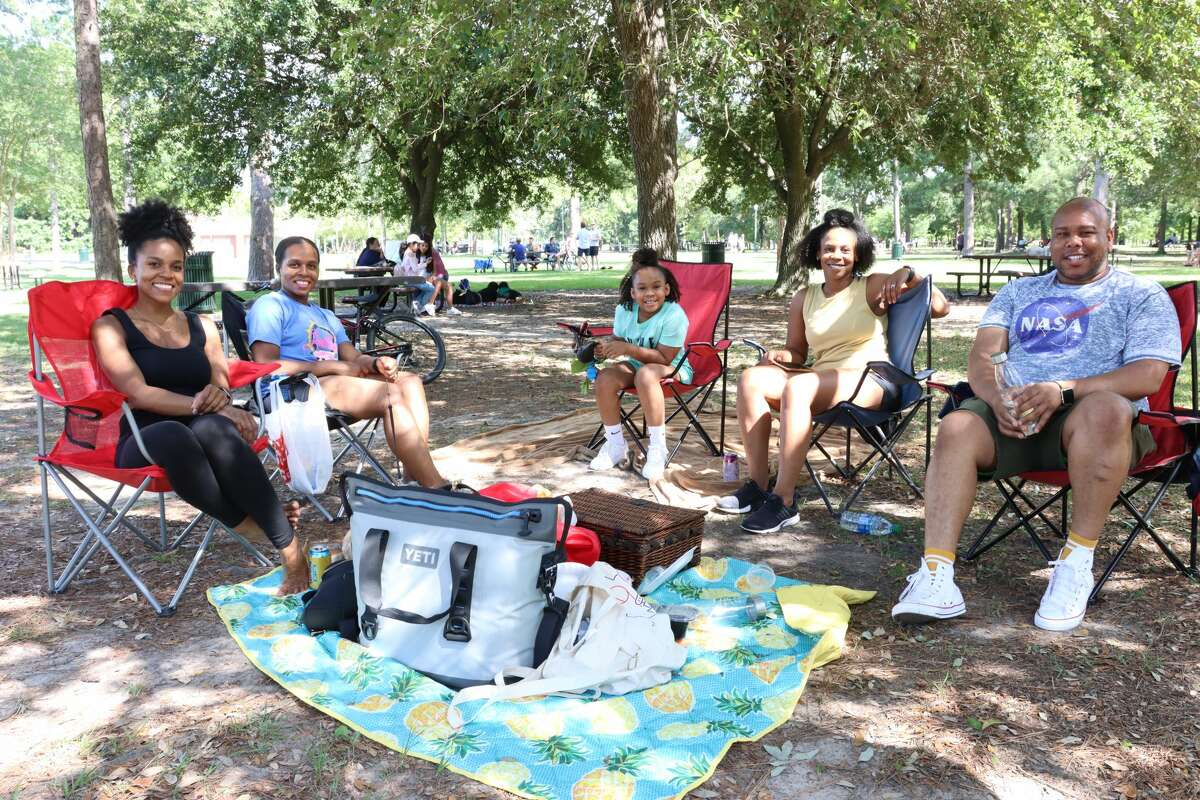 As Texas reopened state parks this week and announced the reopening of businesses and restaurents, Houstonians brought out their picnic blankets, crawfish, laptops, and more to celebrate.