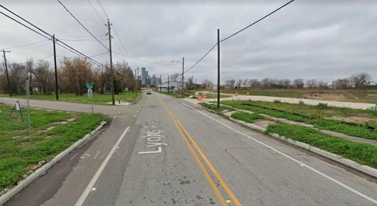 Lyons Avenue at Hill Street, 2020.
