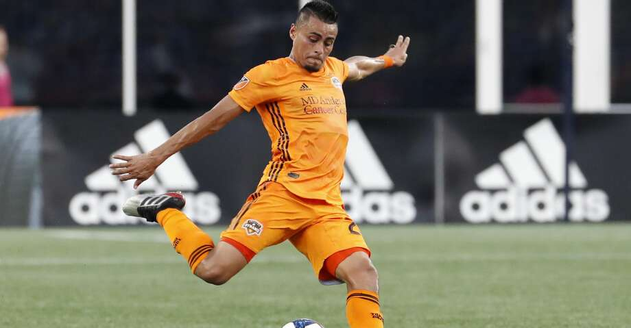 Houston Dynamo midfielder Darwin Ceren (24) crosses the ball during a match between the New England Revolution and the Houston Dynamo on June 29, 2019, at Gillette Stadium in Foxborough, Massachusetts. (Photo by Fred Kfoury III/Icon Sportswire via Getty Images) Photo: Icon Sportswire/Icon Sportswire Via Getty Images / ©Icon Sportswire (A Division of XML Team Solutions) All Rights Reserved