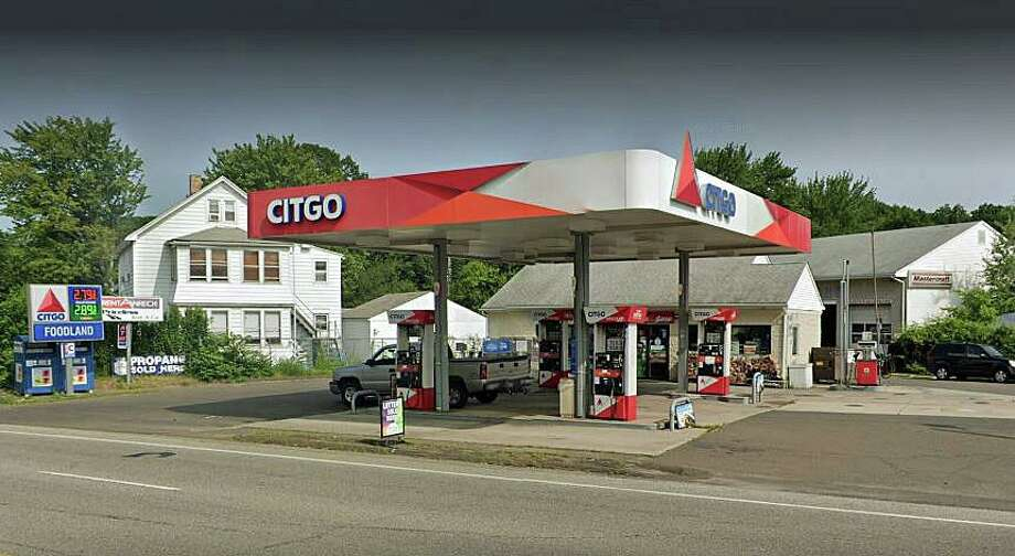 East Haven police are advsing people who gassed up at Citgo Gas Station on Foxon Road to check their credit/debit card accounts because a skimming device was found in one of the pumps. Photo: Google Street View Image