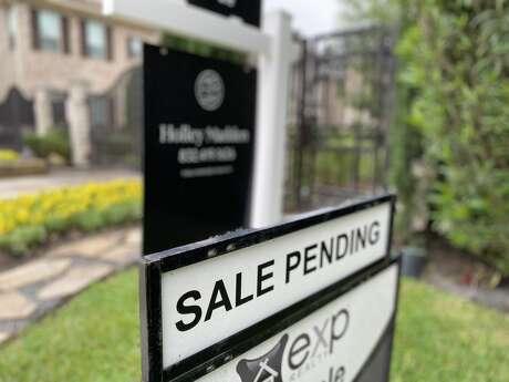 April home sales plunge amid COVID-19 shutdown.