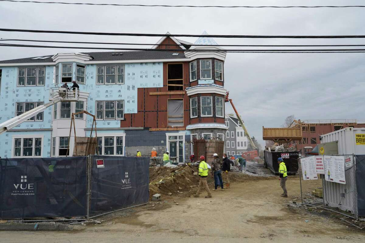 Merritt Village, now called The Vue, is rapidly being built on the corner of Maple and Park streets on 3.3 acres near Mead Memorial Park in New Canaan. The three buildings will have 109 residential units.