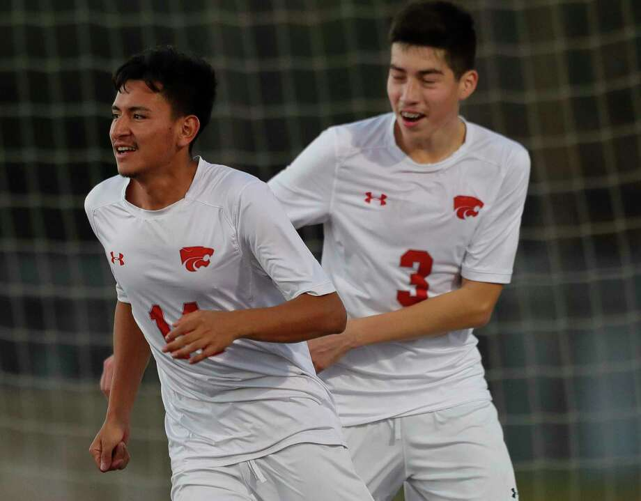 Splendora's Hector Villegas (14) earned co-MVP honors in District 21-4A. Elvin Gonzalez (3) was named to the second team. Photo: Jason Fochtman, Houston Chronicle / Staff Photographer / Houston Chronicle © 2020