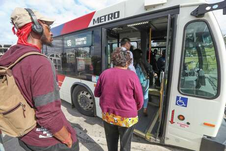 Metro buses tale Q cards, phone apps or cash to ride in November 2019. Cash could be a thing of the past.