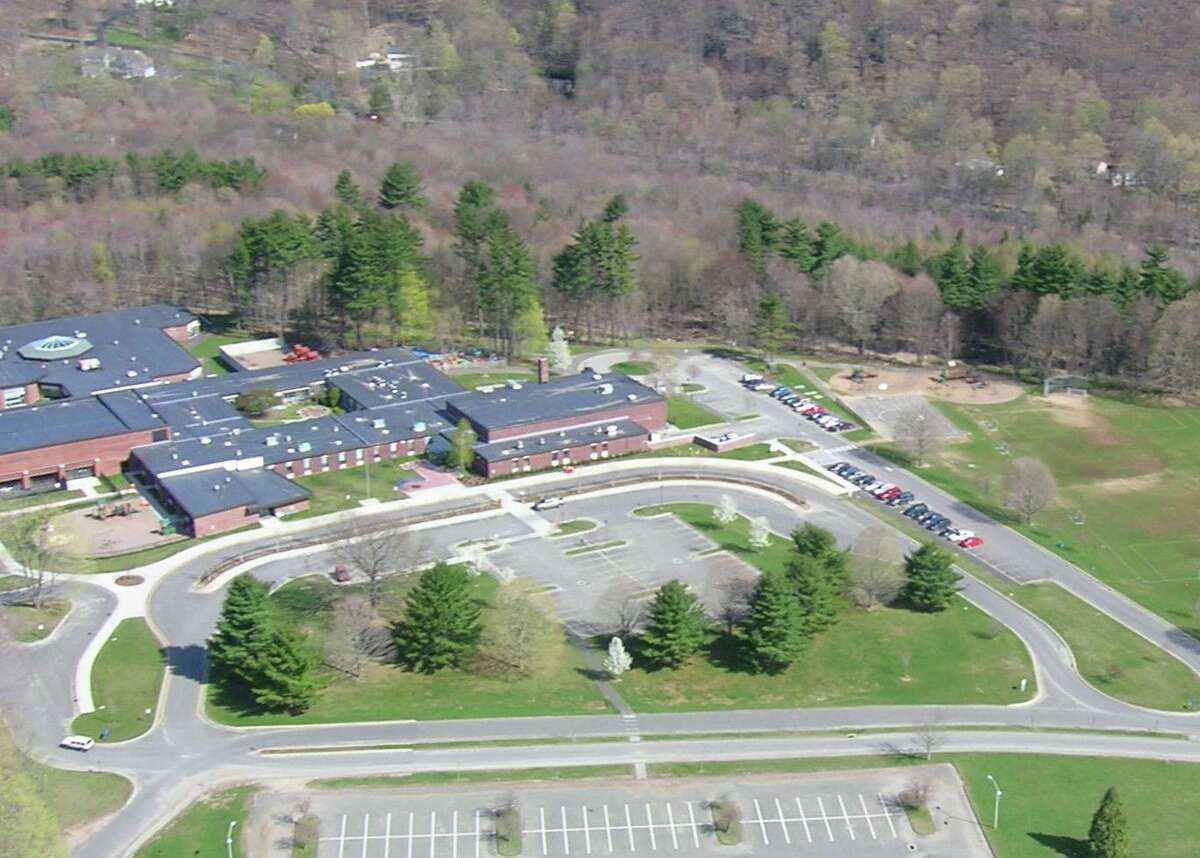 An arial view of Ridgefield's Barlow Mountain School.