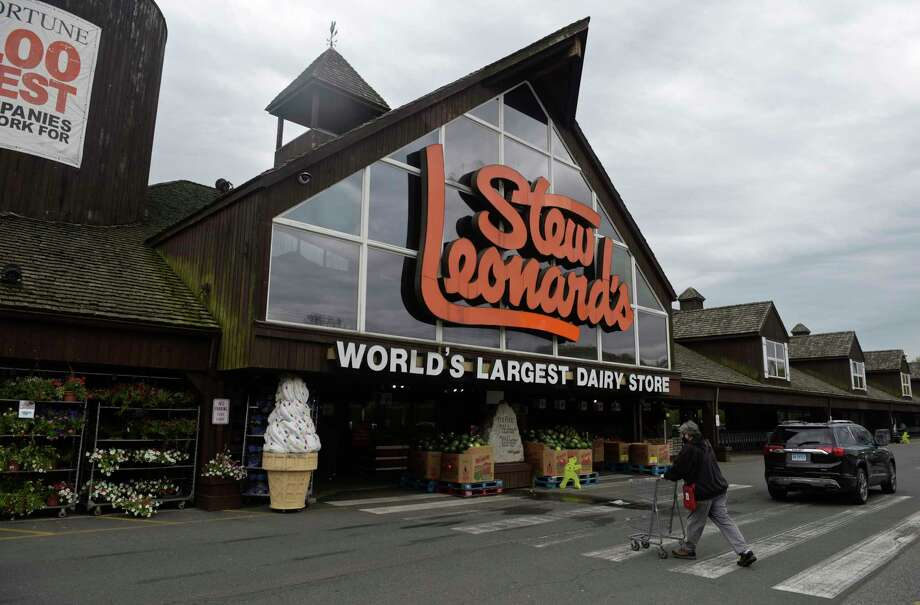 Stew Leonard's in Danbury, Conn. Wednesday, April 6, 2020. Photo: H John Voorhees III, Hearst Connecticut Media / The News-Times