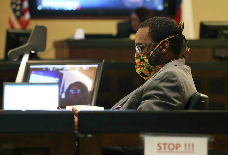 """Assistant District Attorney Daryl Harris wears a mask during a court hearing for Montrail """"Tre"""" Butler, convicted of murder last year, as he was set to be sentenced to prison by 187th District Court Judge Stephanie Boyd. Photo: Kin Man Hui / Staff Photographer / **MANDATORY CREDIT FOR PHOTOGRAPHER AND SAN ANTONIO EXPRESS-NEWS/NO SALES/MAGS OUT/ TV OUT"""