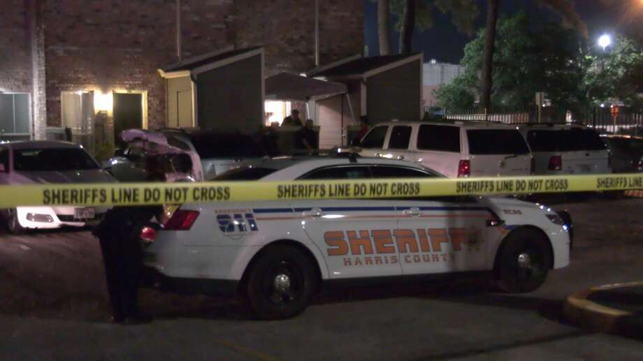 Harris County sheriff's deputies investigate a deadly shooting in the 15300 block of Ella Boulevard on Thursday, May 7, 2020. Photo: OnScene.TV