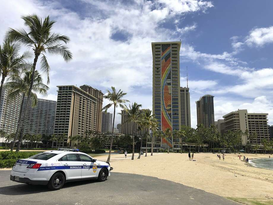 In Hawaii, a tourist from Oklahoma dies while defying the state's strict 14-day quarantine on visitors Photo: Caleb Jones, Associated Press