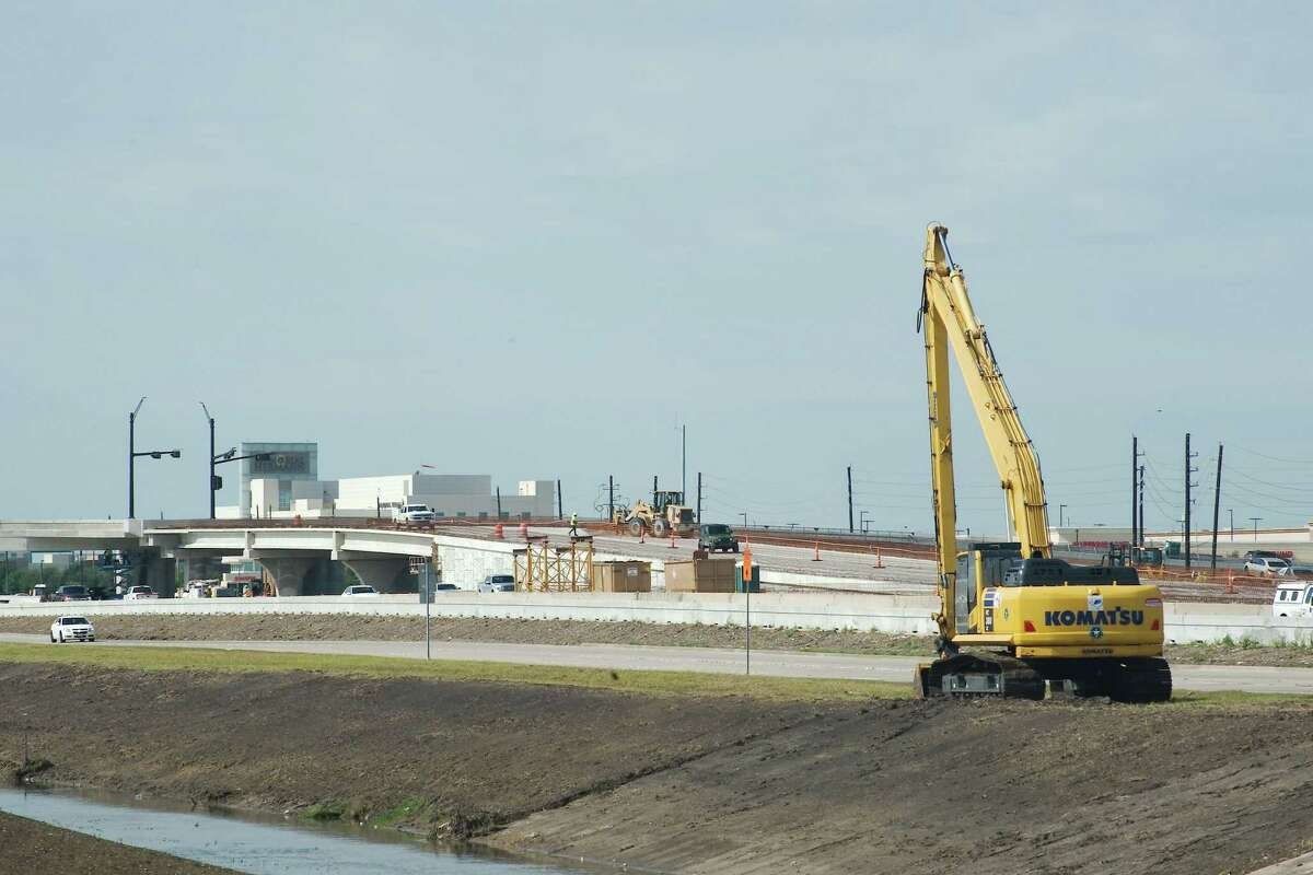 Work is on schedule to complete toll lanes on Texas 288 during the summer.