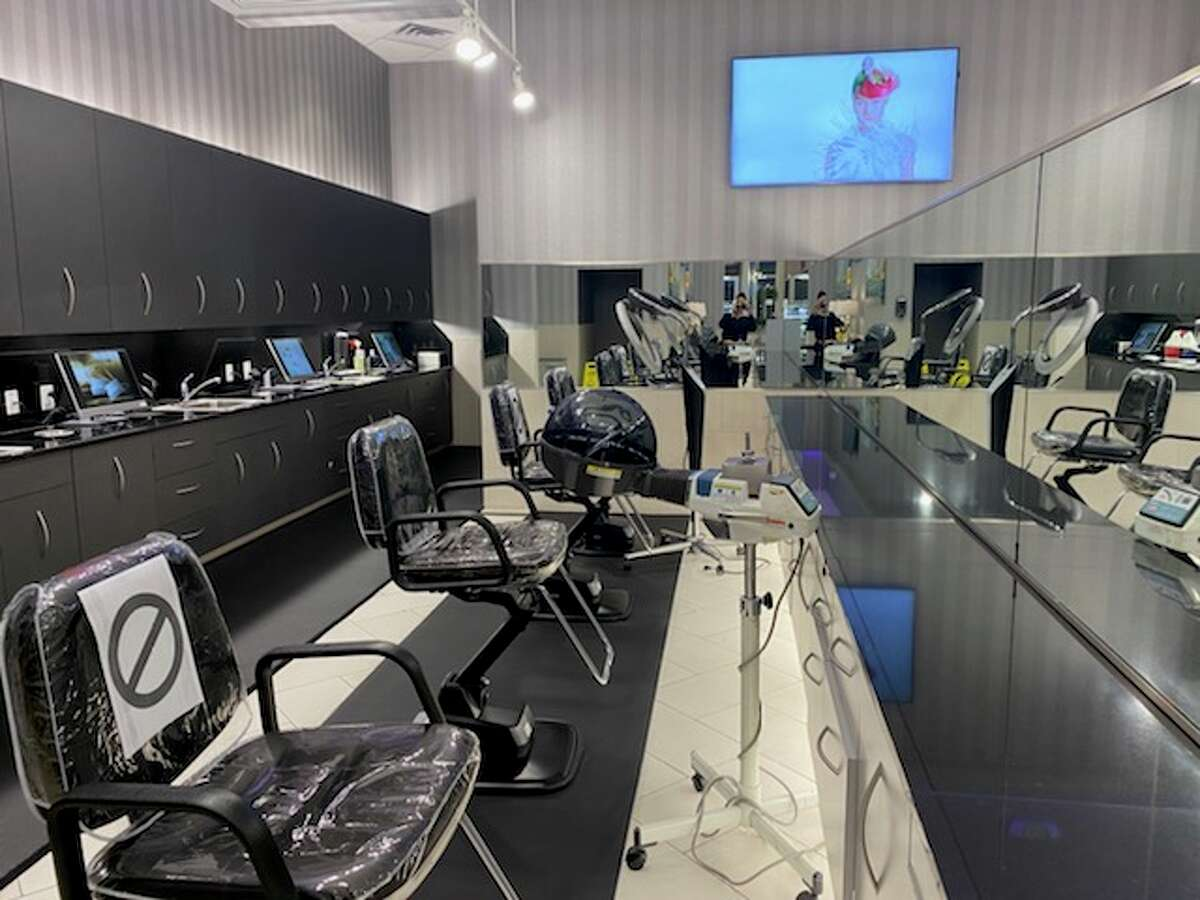 Here is a pictures of how one Visible Changes salon is set up and ready for tomorrow, May 8, reopening.