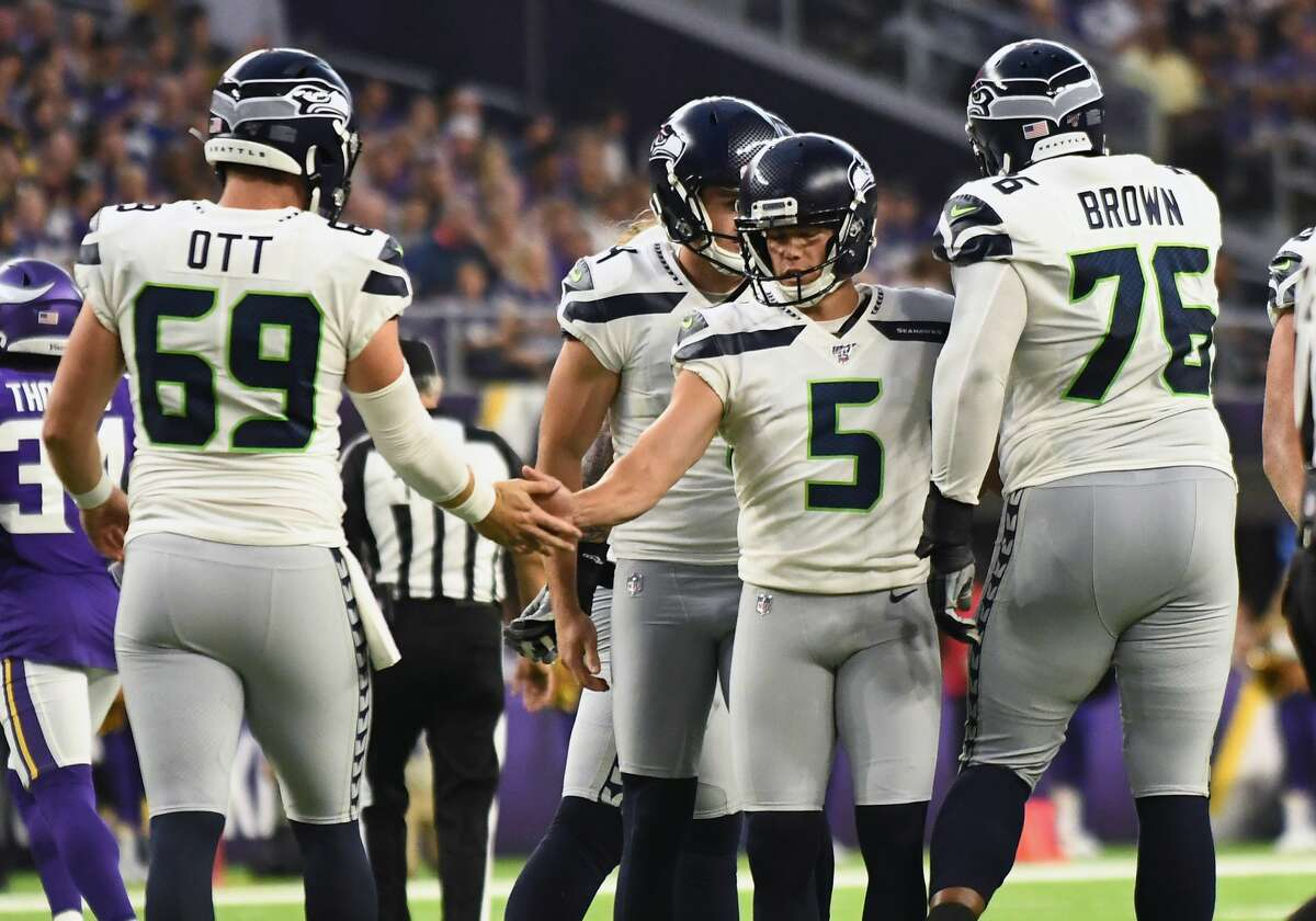 Ott with the Seahawks' special teams unit.