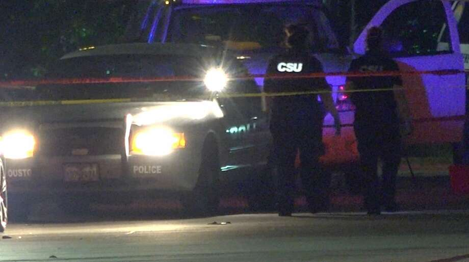 Houston police investigate a deadly officer-involved shooting along the North Freeway near Beltway 8 on Friday, May 8, 2020. Photo: OnScene.TV