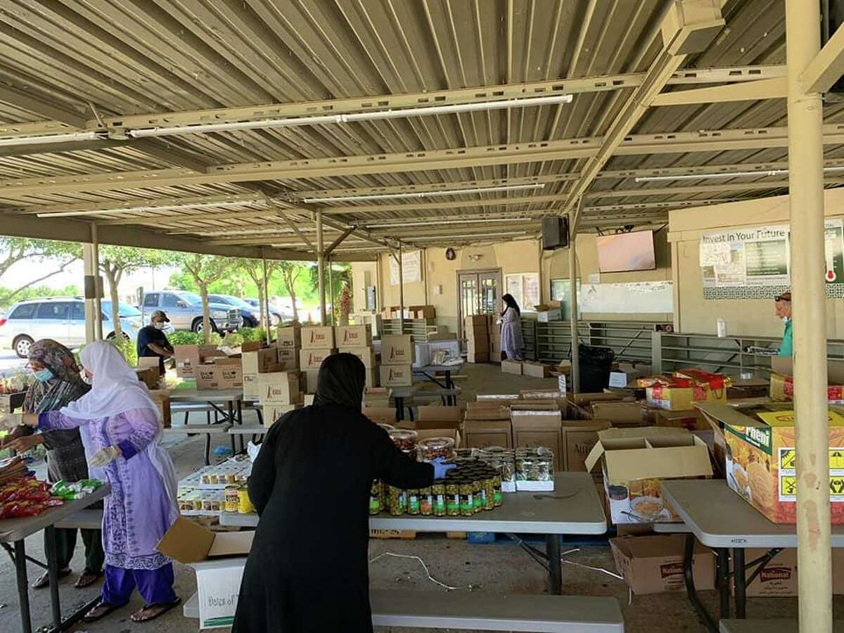 Northwest Houston mosque Bear Creek Islamic Center helps with COVID-19 relief efforts in observance of Ramadan.