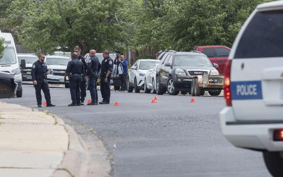 Midland Police investigate a shooting 05/08/2020 in the 100 block of S. Glenwood. Tim Fischer/Reporter-Telegram Photo: Tim Fischer/Midland Reporter-Telegram