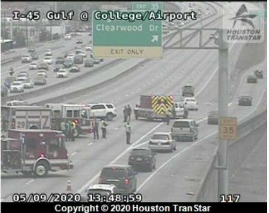 A major, five-car crash has closed all outbound lanes on the Gulf Freeway, according to Houston police. Photo: Houston Transtar