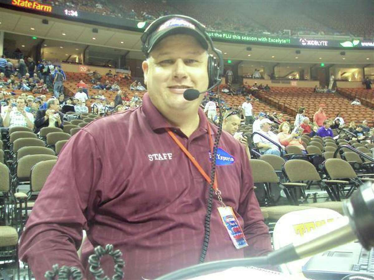 SETXsports.com play-by-play broadcaster Mike Sanchez.