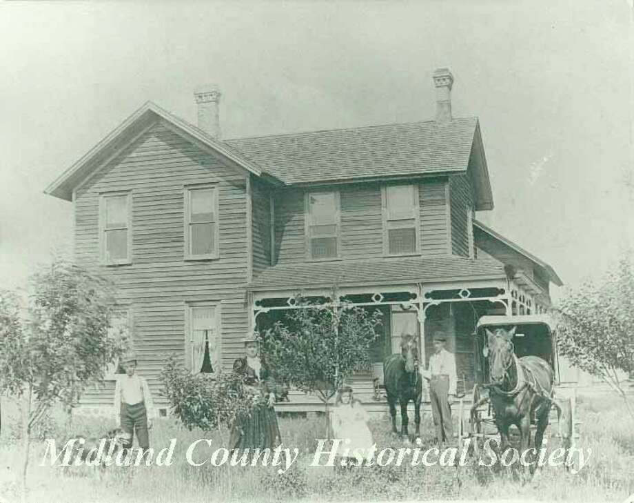 The Higgins residence (hotel) in Sanford. (Midland County Historical Society)