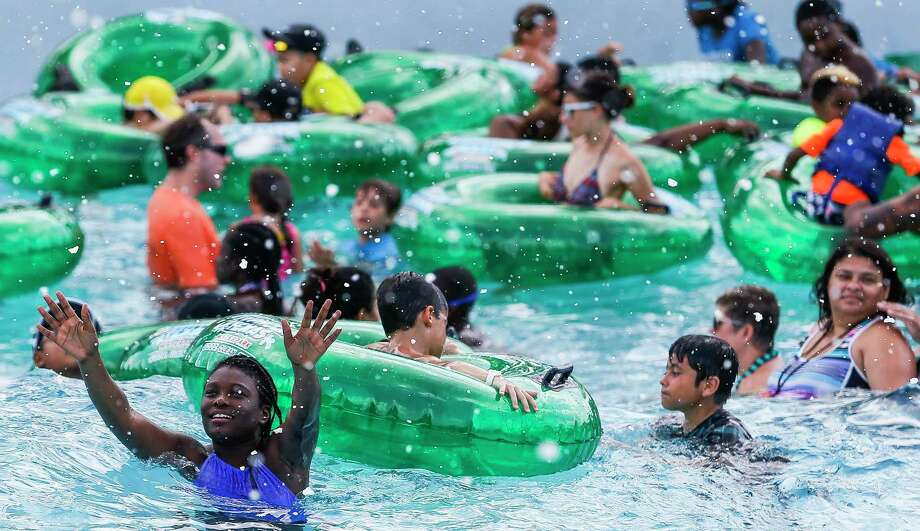 You can't go to a water parkState and medical experts are still developing guidelines to reopen water and theme parks. For now, it's recommended they remain closed. Photo: Michael Ciaglo, Staff Photographer / Houston Chronicle / Michael Ciaglo