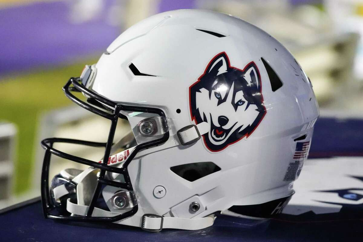 GREENVILLE, NC - NOVEMBER 17: Connecticut Huskies helmet sits on the sidelines during a game between the UConn Huskies and the East Carolina Pirates at Dowdy-Ficklen Stadium in Greenville, NC on November 17, 2018. (Photo by Greg Thompson/Icon Sportswire via Getty Images)
