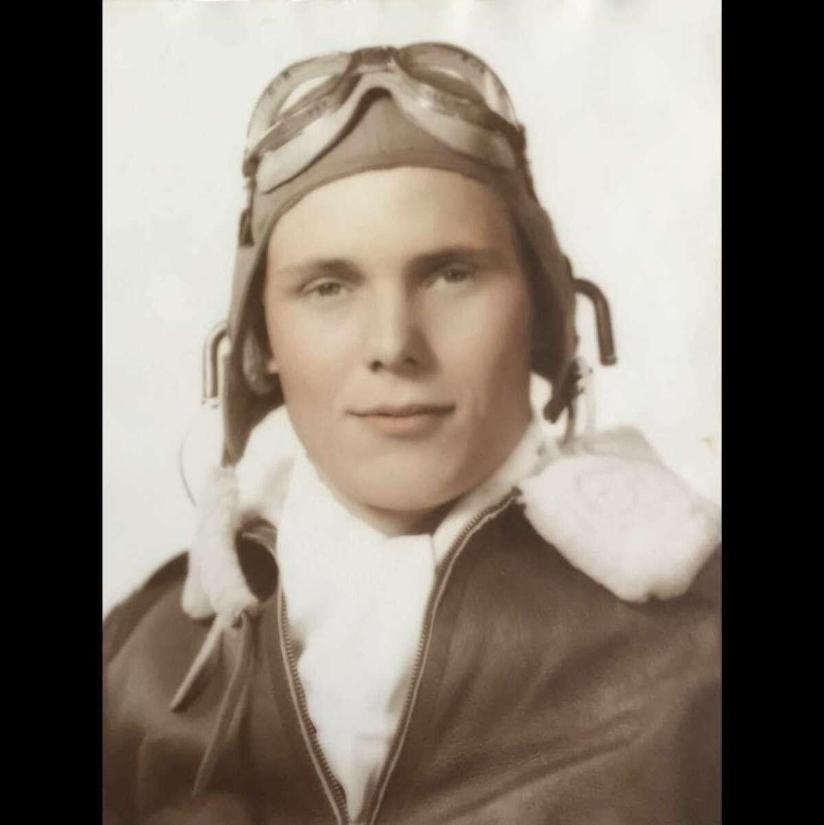 Robert Eugene Marsh, a First Lt. bomber pilot in World War II.