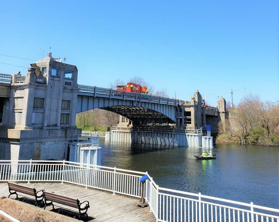 Memorial Bridge was closed to traffic and pedestrians Tuesday as crews worked to repair and assess damage after the bridge's system experienced a brown out earlier that morning. Photo: Arielle Breen/News Advocate