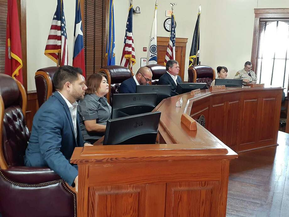 Webb County Commissioners pictured at a special meeting on March 13. Photo: Cuate Santos /Laredo Morning Times File / Laredo Morning Times